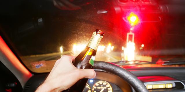 Vrouw rijdt met 5 keer te veel op