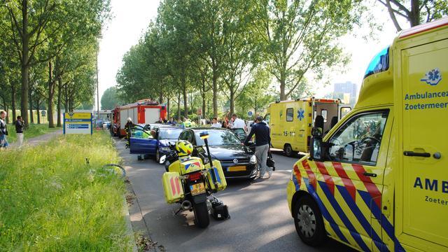 Meerdere auto's betrokken bij ongelukken A20