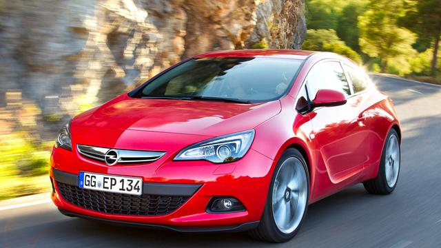Opel facelift Astra en introduceert superdiesel