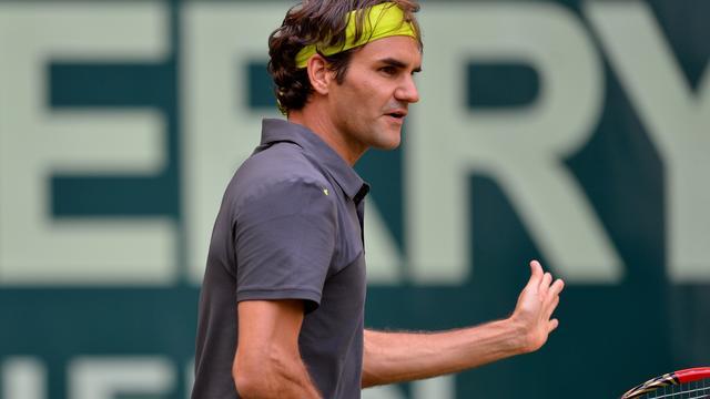 Federer voor zevende keer in finale Halle