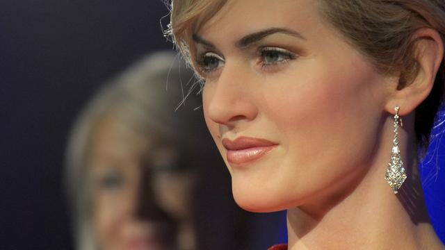 Kate Winslet en Gary Barlow onderscheiden