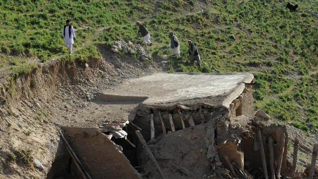 '71 doden aardbeving Afghanistan'