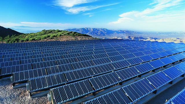 Efficiëntere zonnecellen door nanodraadjes