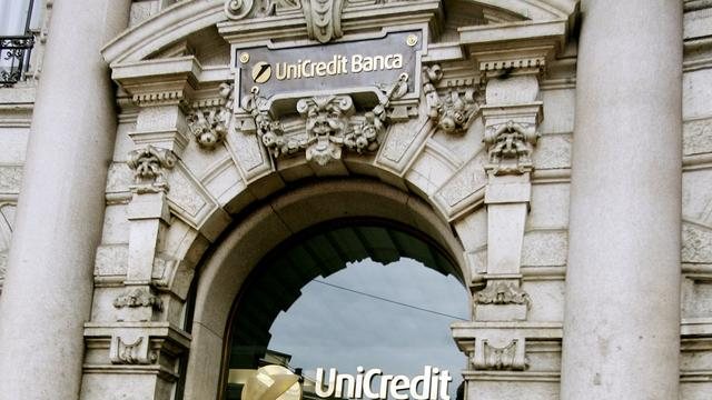 Topman Italiaanse bank vervolgd voor fraude