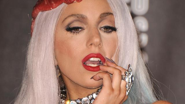 Brein Lady Gaga in orde na ongeluk op podium