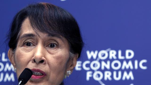 Suu Kyi kan eindelijk vredesprijs ophalen