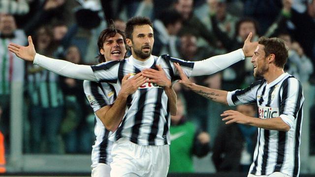 Juventus verwijst op nieuwe shirt naar dertigste landstitel