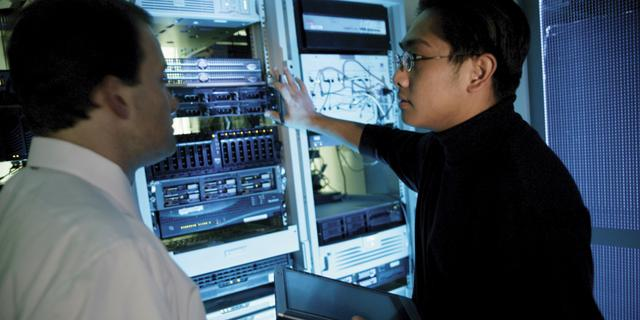 'Licht herstel voor ICT-branche in 2013'