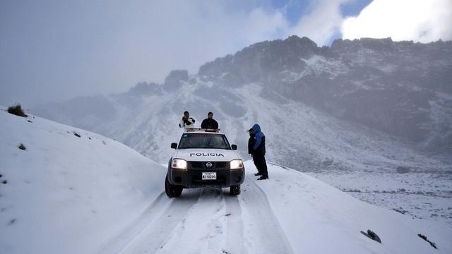 Zoektocht naar helikopter in Andes moeizaam