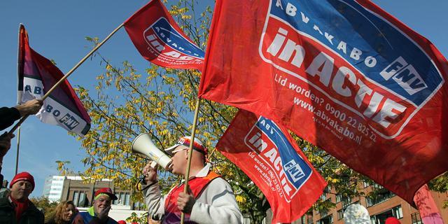 Provincie en vakbonden ruziën over ontslagen
