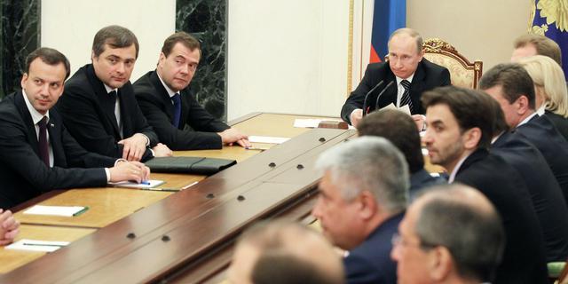 Poetin ziet burgeroorlog ontstaan in Syrië