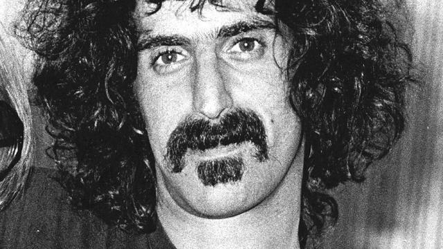 Overleden Frank Zappa als hologram op tournee