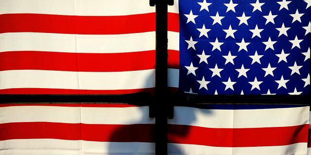 Consumentenvertrouwen VS fors onderuit