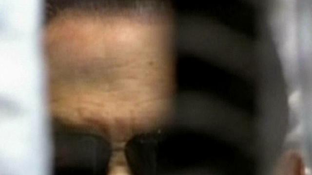 Mubarak onwel bij aankomst gevangenis