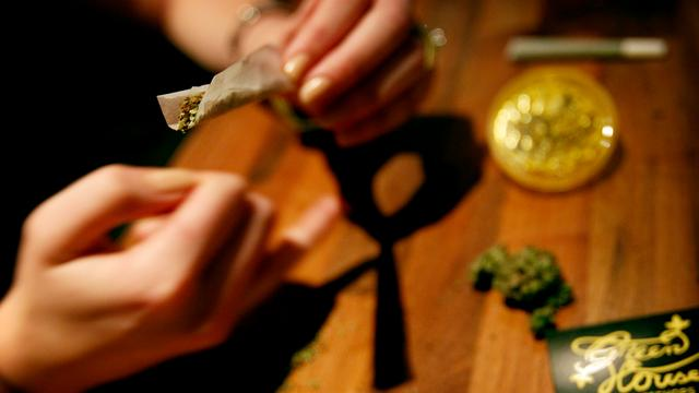 'Nederlander strenger gecontroleerd op drugs in buitenland'