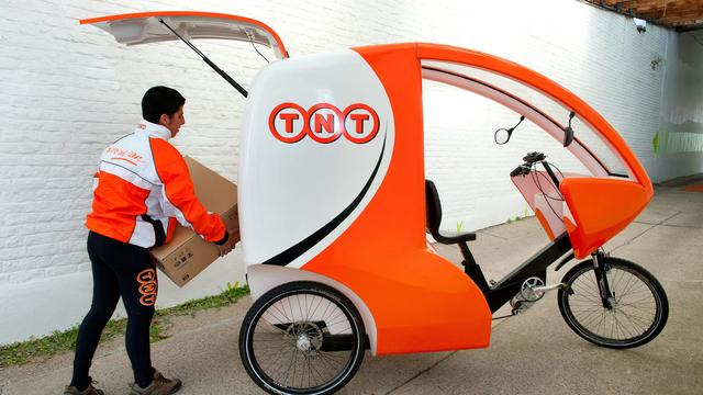 TNT Express wil Fashion Group verkopen