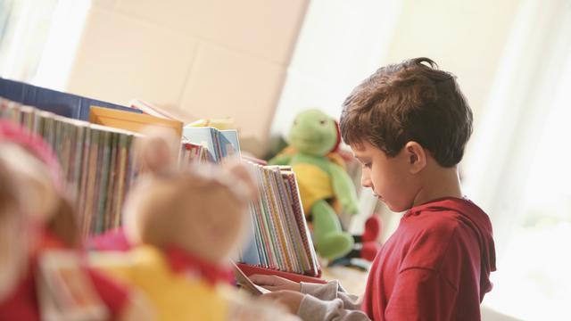 Kinderen leren tijdens voorlezen door actief meedenken