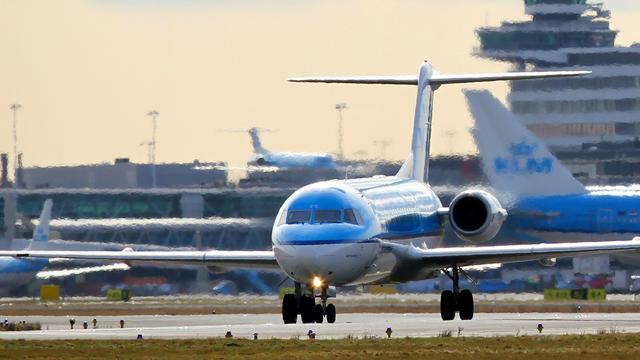 16 vluchten tussen Schiphol en VS geschrapt