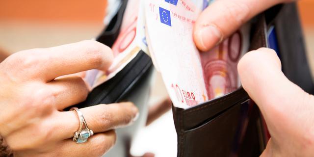 Nibud adviseert opnemen contant geld
