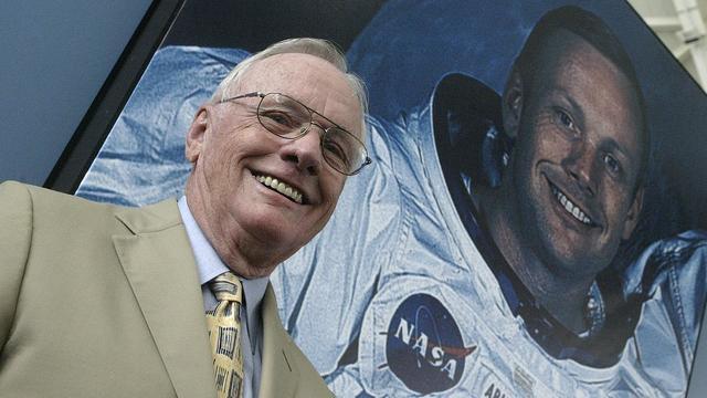 Zeemansgraf voor Neil Armstrong