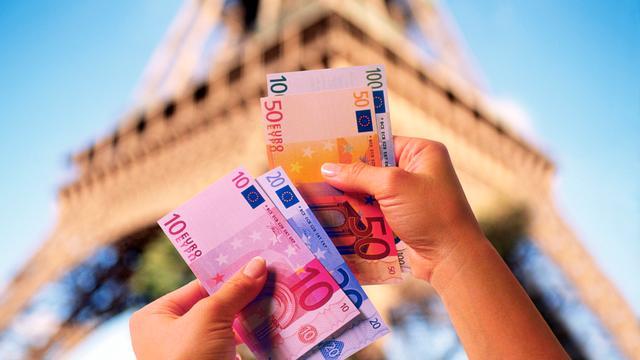 Fors minder Europeanen met vakantieplannen