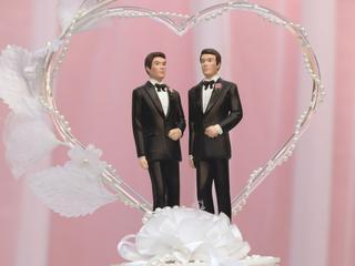 'Huwelijk' heeft een veel grotere emotionele en symbolische lading dan het woord 'verbintenis'