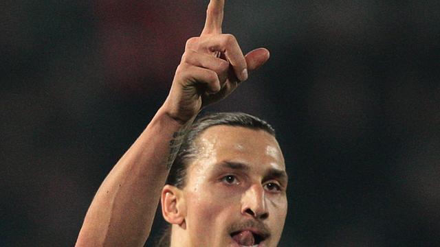 Ibrahimovic op dreef bij Milan, Barcelona laat langs Gijon