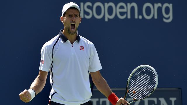 Djokovic naar halve eindstrijd in Peking