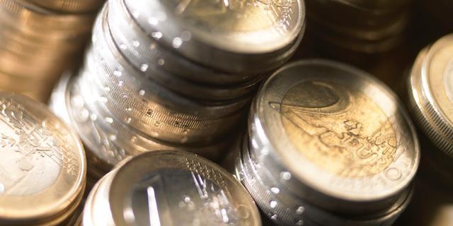 Euro en olieprijzen flink omlaag