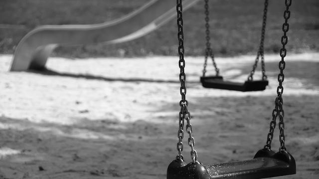 Kinderen geslagen in speeltuin