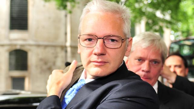 Assange wordt uitgeleverd aan Zweden