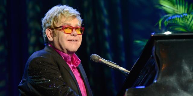 'Elton John voelt zich weer beter'