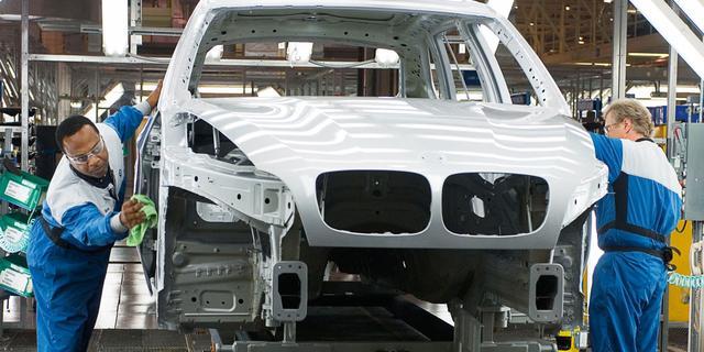 Nederland helpt Russen aan moderne auto's