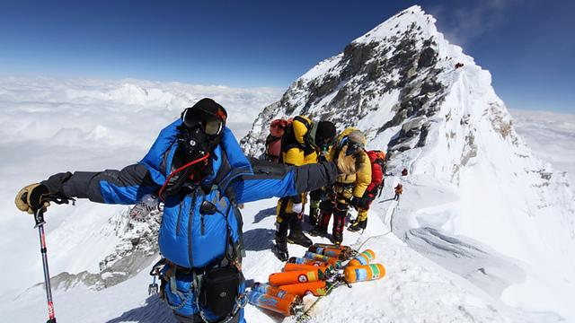 16-jarige beklimt Mount Everest