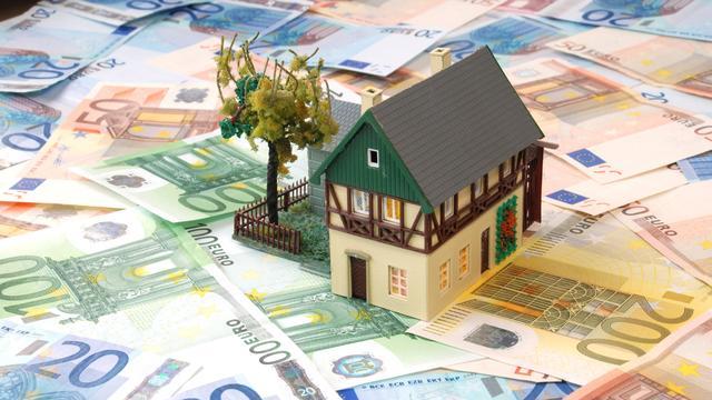 Huizenprijzen bijna 7 procent gedaald