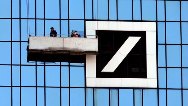 Een derde minder winst voor Deutsche Bank