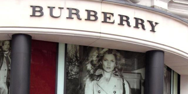 Modehuis Burberry presteert online