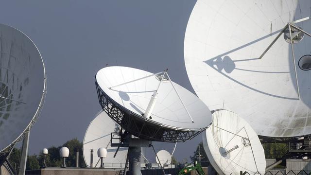 'NSA kan 100 procent buitenlandse telefoongesprekken opnemen'