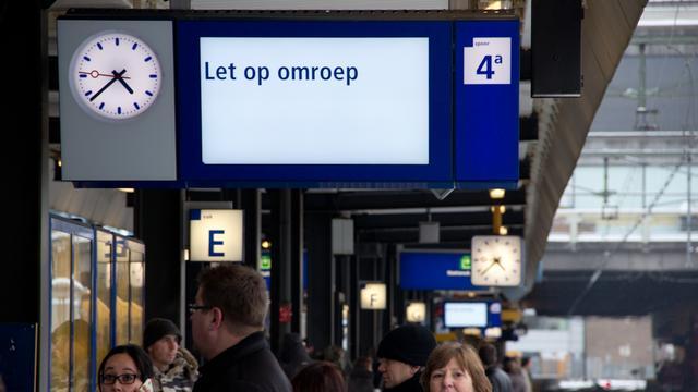 Bliksem treft treinverkeer Flevoland