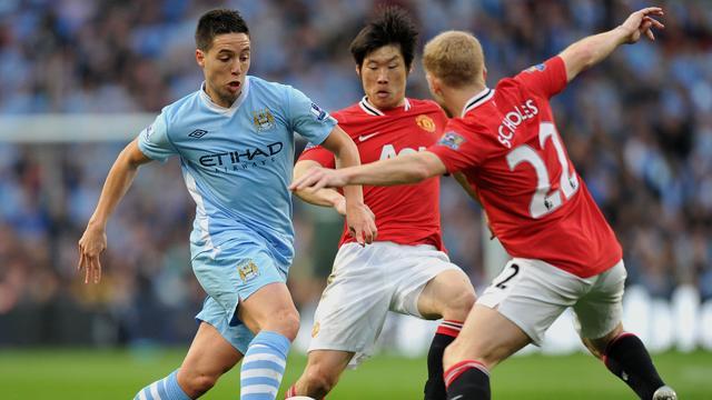 City verslaat United en pakt koppositie
