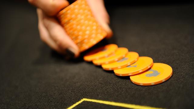 Politie maakt eind aan illegaal pokerspel