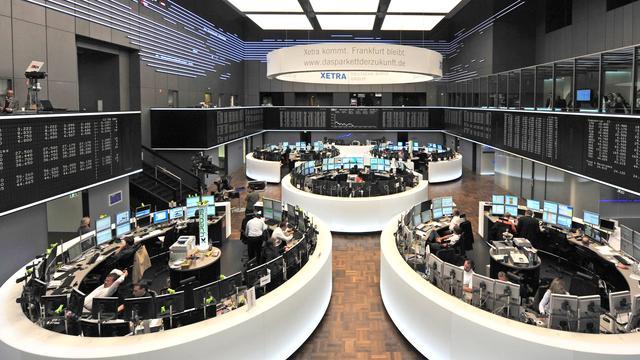 Duitse beurs voor het eerst boven negenduizend punten