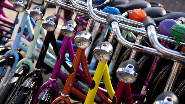 Eerste fietscarrousel van Nederland opent in de Vruchtenbuurt