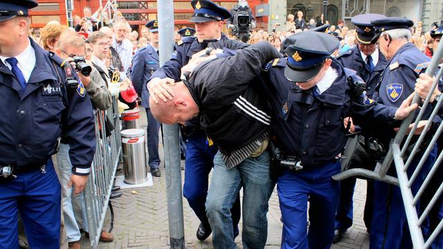 Waxinelichthoudergooier opgepakt in Den Haag