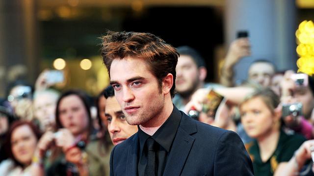 Robert Pattinson speelt autodief in Rover