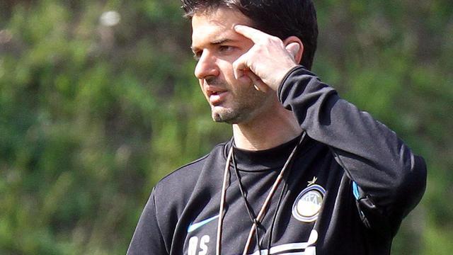 Inter ontslaat trainer Stramaccioni en stelt Mazzari aan