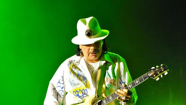 Carlos Santana schrijft memoires
