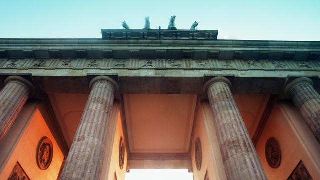 Brandenburger Tor beschadigd door botsing