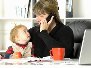Bijna een op de tien paren met minderjarige kinderen komt zeer moeilijk rond