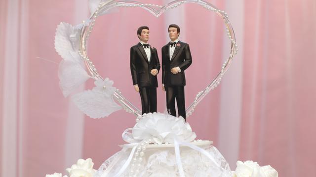 Hoofd Engelse RK-Kerk valt homohuwelijk aan